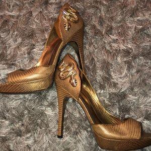 Via Spiga Gold Metallic Snake Heel. SIZE 9 WORN